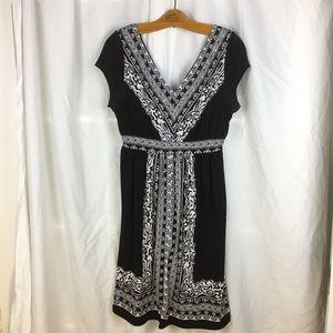 Madison Black and White knit cap sleeve dress